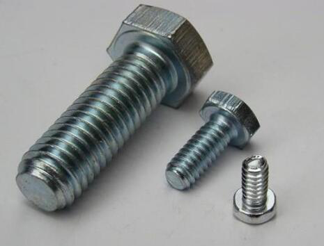 Difference between bolts, screws and studs
